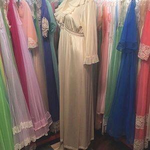 Intimates   Sleepwear - Vintage robe poet shirt top circa 1960 nightgown S 8743bf55c